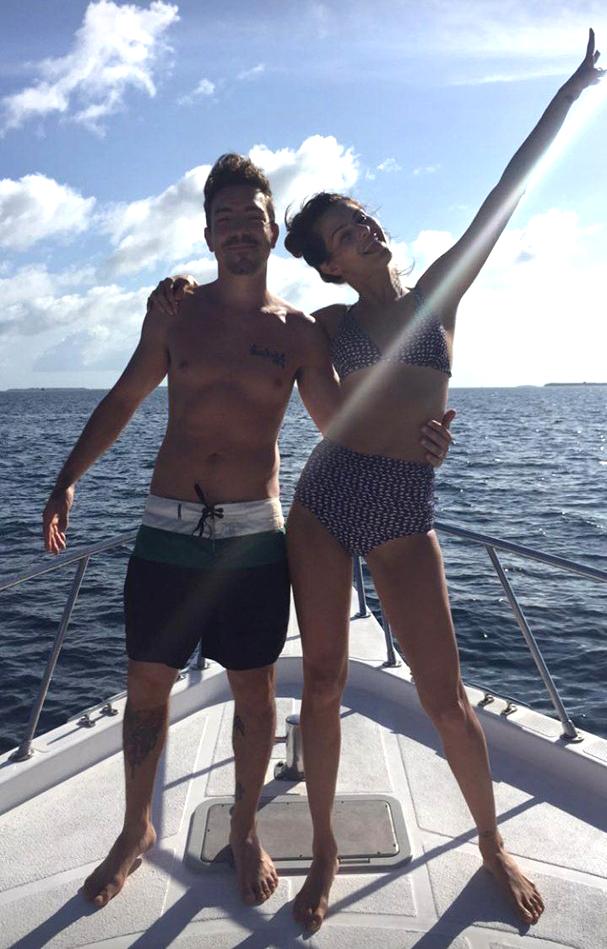 O casal está aproveitou passeio de barco nas Ilhas Maldivas (Foto: Reprodução/ Instagram)