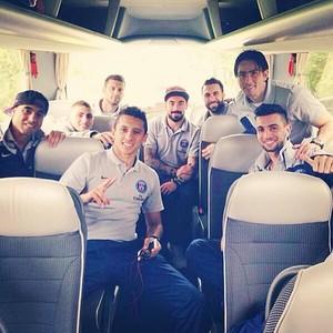 Lucas registra viagem do PSG (Foto: Instagram)