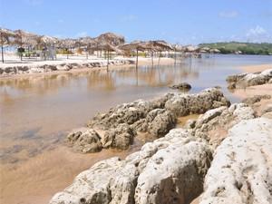Praia Bela é uma das praias do litoral paraibano que podem ser aproveitadas pelos banhistas (Foto: Edgley Delgado/Secom-PB)