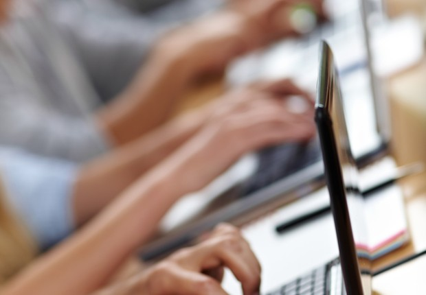 Ensino a distância; Escola a distância; Educação; Computador; Internet;  (Foto: Shutterstock)