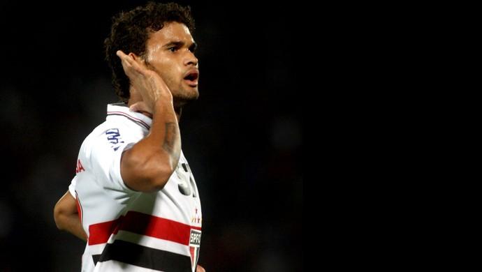 Willian José comemora gol do São Paulo (Foto: EFE)