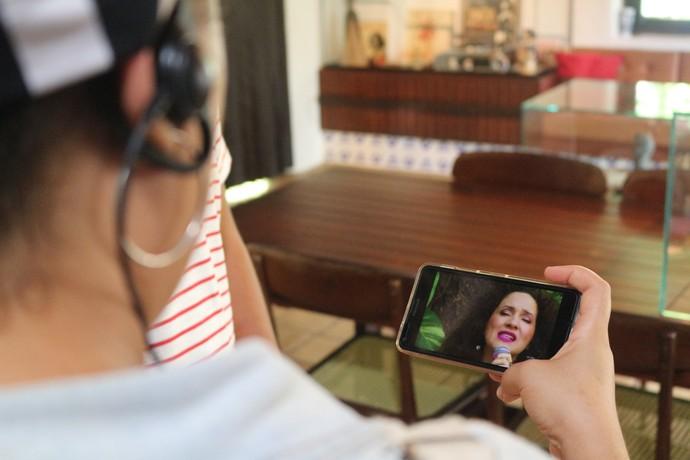 A TV digital no celular: acompanhamento em tempo real (Foto: TV Bahia)