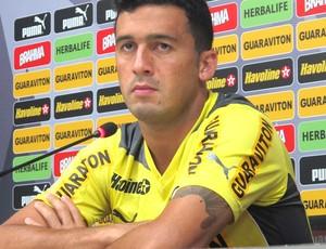 Jogador exalta trabalho do técnico Oswaldo de Oliveira, que, segundo ele, valoriza todos no grupo