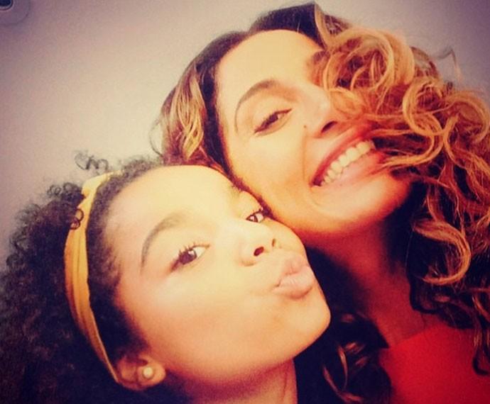 Direto das redes sociais: Camila Pitanga e Sabrina Nonata (Foto: Arquivo Pessoal)