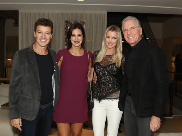 Rodrigo Faro, Vera Viel, Roberto Justus e Ana Paula Siebert em evento em São Paulo (Foto: Thiago Duran/ Ag. News)