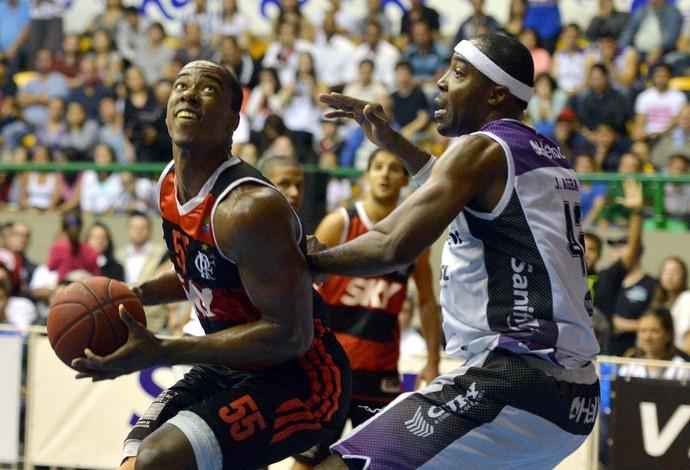 Meyinsse Mogi das cruzes x Flamengo NBB (Foto: João Pires/LNB)