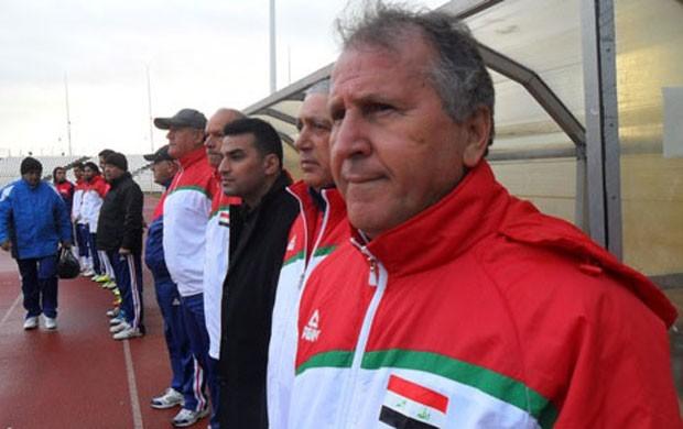zico iraque x jordania (Foto: Divulgação/AK News)