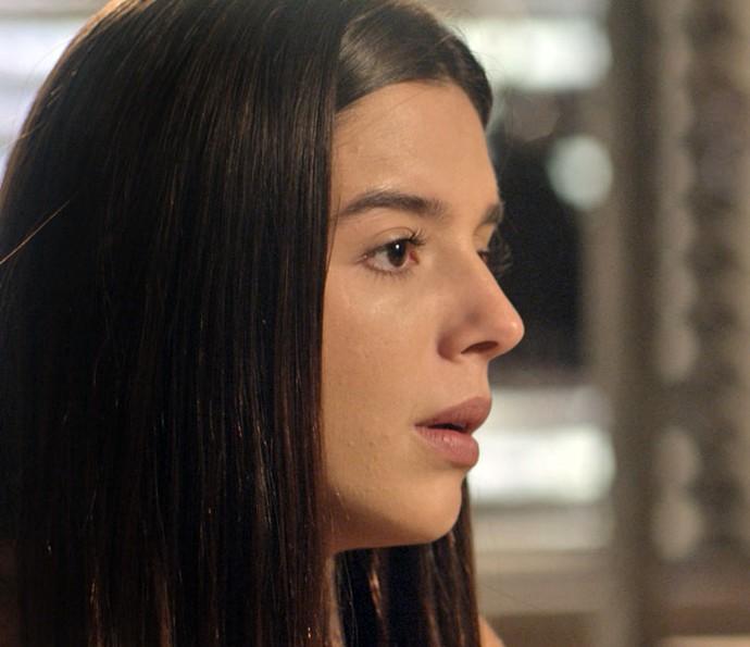 A jovem tem certeza que seus pais ainda são apaixonados um pelo outro (Foto: TV Globo)