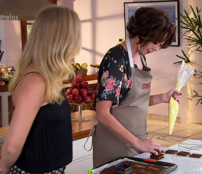 Atriz ensina a fazer pão de ló delicioso (Foto: TV Globo)