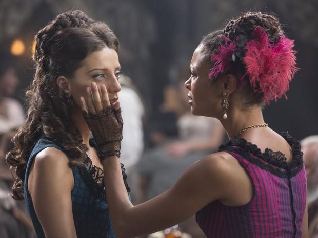 Angela Sarafyan e Thandie Newton em 'Westworld' (Foto: Divulgação)
