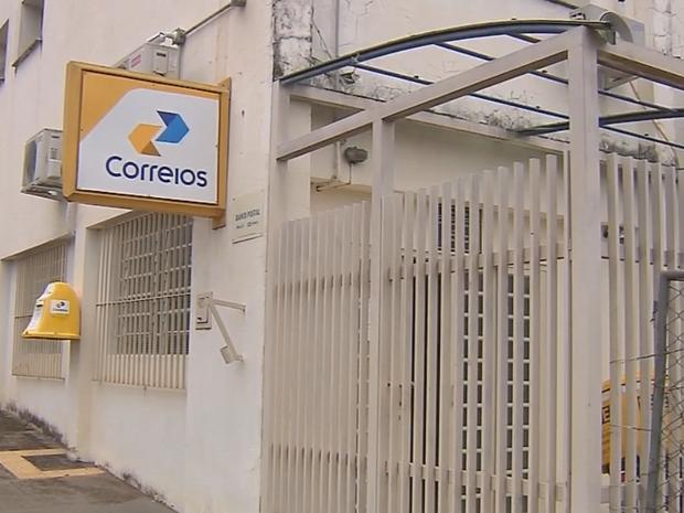 Agência dos Correios foi assaltada (Foto: Reprodução/TV TEM)