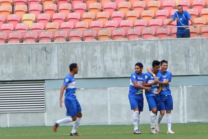 Atlético-AC Josy comemora gol contra o Nacional (Foto: Marcos Dantas)
