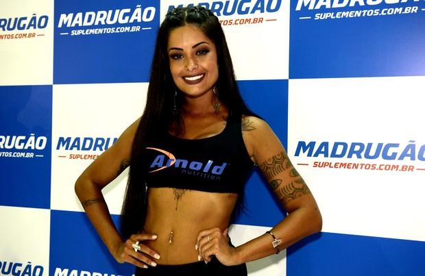 Aline Riscado na Arnold Brasil (Foto: Roberto Teixeira / EGO)