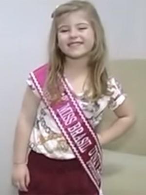 Lorena ganhou faixa de Mini Miss Brasil Fotogenia em 2015 (Foto: Reprodução)