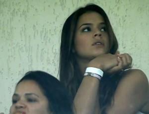 Bruna Marquezine vai ao Pacaembu ver jogo de Neymar (Foto: Reprodução/TV Globo)
