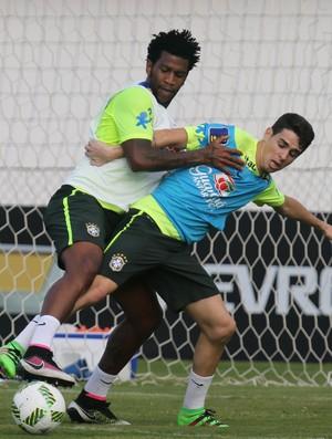 Gil Oscar treino seleção brasileira Viamão (Foto: Lucas Figueiredo / MoWA Press)