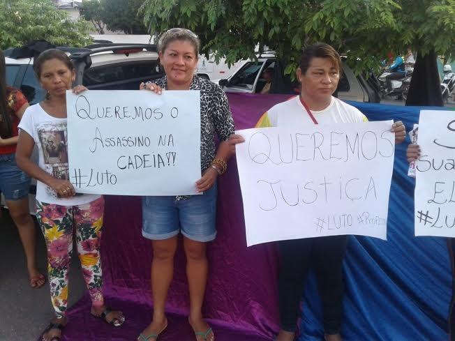 protesto morte professor (Foto: Samela Bonfim/ TV Tapajós)