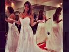 Angela Sousa se veste de noiva e Yuri fala de casamento: 'Ano que vem'