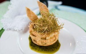 Folhado de bacalhau com crisp de alho-poró