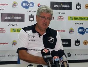 Geninho - técnico do ABC (Foto: Jocaff Souza/GloboEsporte.com)