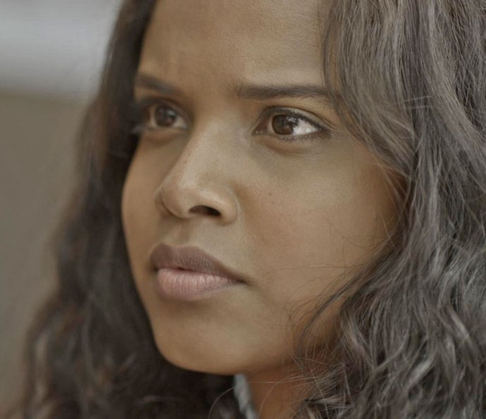 Joana não fica calada ao ouvir os desaforos de Tita (Foto: TV Globo)