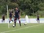 Sem lesão muscular, Felipe Alves tem chances de encarar o Inter de Lages