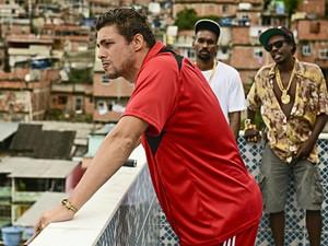 Cauã Reymond interpreta chefe do tráfico em 'Alemão' (Foto: Divulgação)
