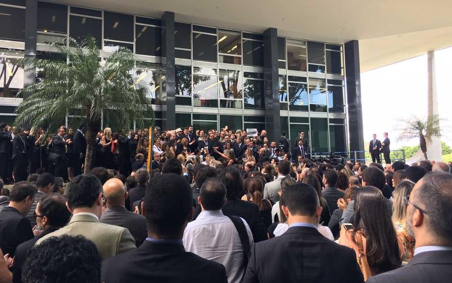 Juízes e promotores protestam contra mudanças em pacote anticorrupção