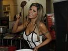 Cacau Colucci sai da dieta em festival de doces: 'Chocolate é sexy'