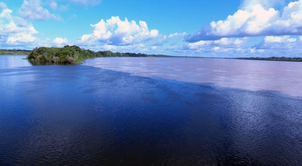 Encontro das águas é vista diariamente por vários turistas (Foto: Júnior Freitas/G1)