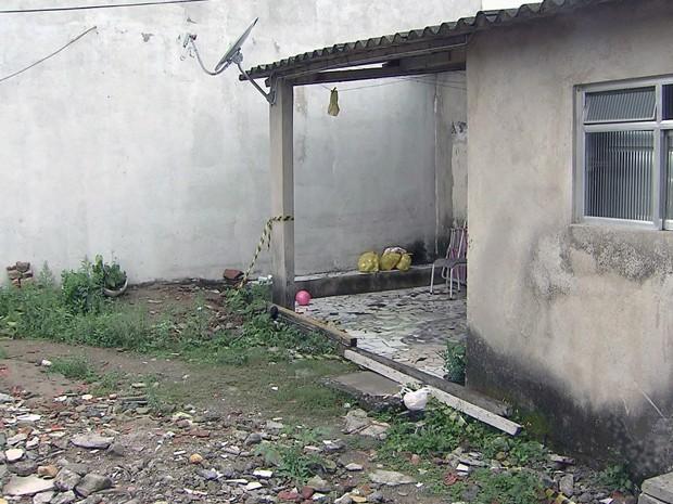Paripiranguense mata irmã e fere namorada a facadas após jogo de futebol em Guarujá-SP