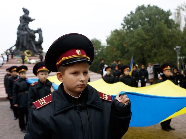 Ucrânia recordou os 75 anos da matança de Babi Yar (Foto: Sergei Chuzavkov/AP)