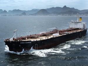 O navio de produtos Rômulo Almeida na prova de mar (Foto: Divulgação/Renata Mello/Transpetro)