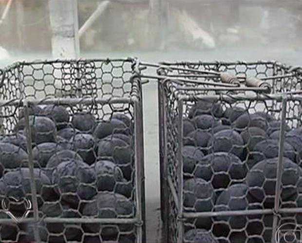 Ovo preto é iguaria no Japão (Foto: Mais Você/TV Globo)