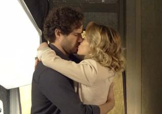 Ju aceita casar com Fábio (Foto: Guerra dos Sexos/TV Globo)