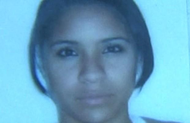 Estudante Amanda César de Souza, 19, morreu em acidente de moto na GO-060, em Goiás (Foto: Reprodução/TV Anhanguera)
