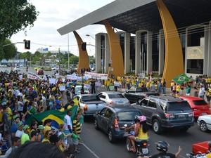 Concentração ocorreu na praça do Centro Cívico, em Boa Vista (Foto: Marcelo Marques/G1)