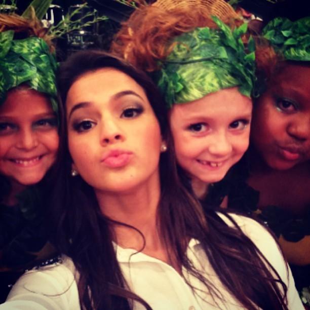 Bruna Marquezine nos bastidores do 'Esquenta' (Foto: Instagram/ Reprodução)