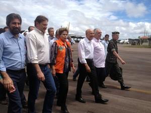 A presidente Dilma Rousseff com o governado de Rondônia e prefeito de Porto Velho (Foto: Gaia Quiquio/G1)