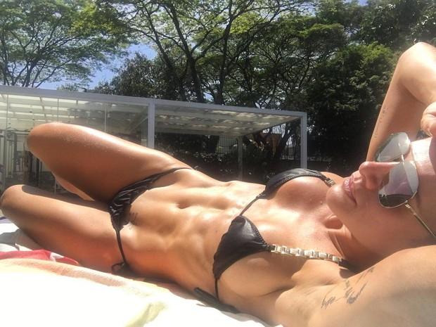 Mirela Snatos (Foto: Reprodução/Instagram)