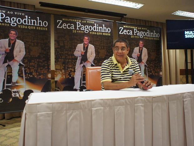 Zeca Pagodinho em coletiva nesta terça-feira (Foto: Lívia Torres)
