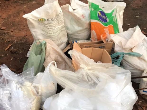PF faz ação para combater o contrabando de agrotóxicos em Goiânia, Goiás (Foto: Divulgação/PF)