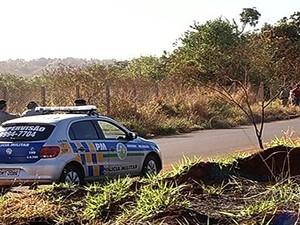 Aluno tem surto em aula e ameaça colegas com faca, em Rio Verde, em Goiás (Foto: Reprodução/TV Anhanguera)
