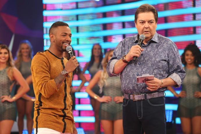 Ele ainda relembrou sua passagem pelo 'Dança' (Foto: Carol Caminha/Gshow)