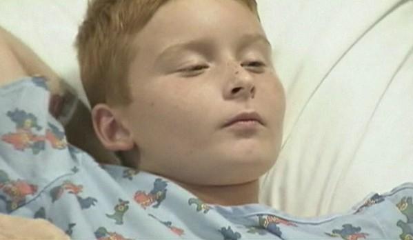 Menino de 9 anos teve 30 ferimentos pelo corpo após ser atacado três vezes por um jacaré na Flórida (Foto: BBC)