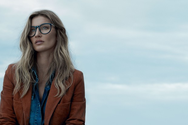 51f5029d3 Gisele nos bastidores (e resultado final!) da nova campanha da Colcci  Eyewear