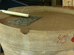 Músico cria sistema para economizar água, mas 'ganha' taxa extra em Anápolis, Goiás (Foto: Reprodução/TV Anhanguera)