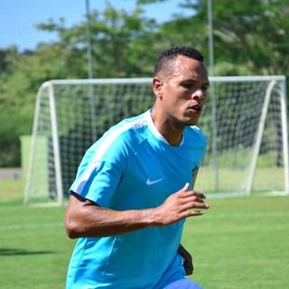 Luis Fabiano treino Tianjin Quanjian China Atibaia (Foto: Danilo Sardinha/GloboEsporte.com)