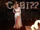 Gabi Lopes usa look inspirado em Kylie Jenner para festão de 22 anos