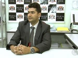 Delegado Miguel Rocha precisava viajar duas vezes por semana para tentar suprir falta de delegado  (Foto: Reprodução/TV TEM)